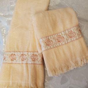 2 Peach Hand Towels